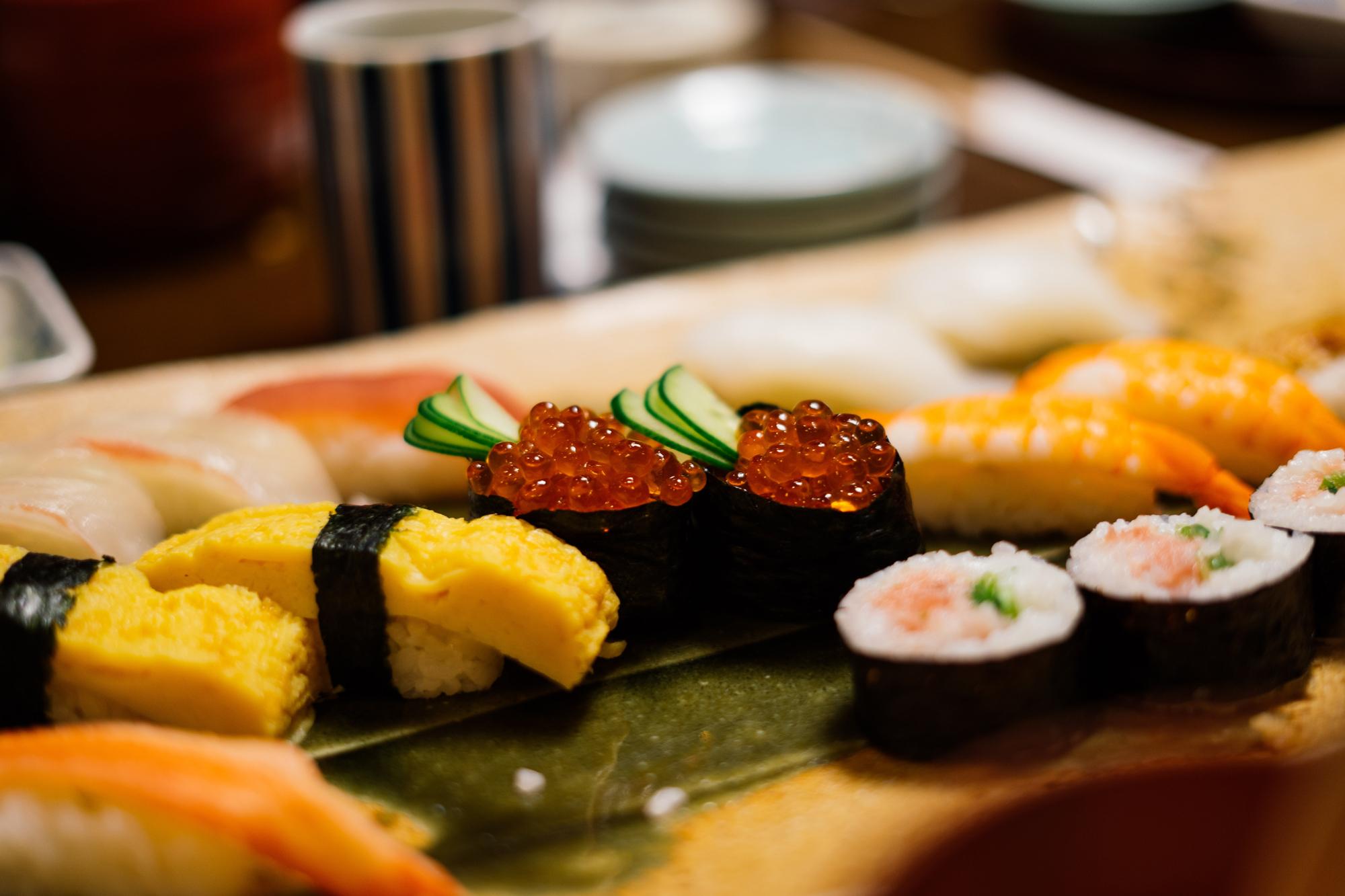 Sushi estilo maki
